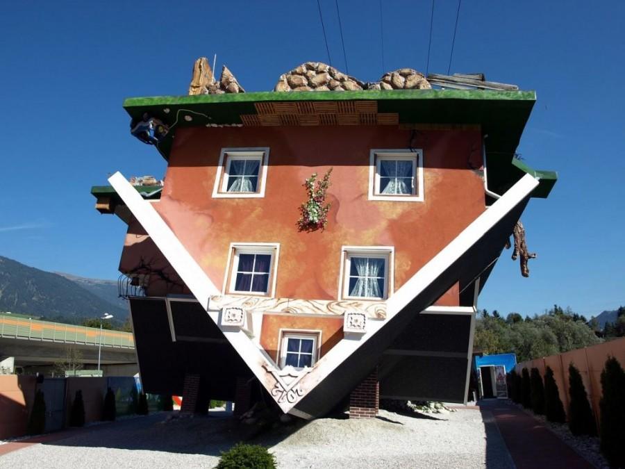 house-is-upside-down-992601_1280-pixabay.jpg